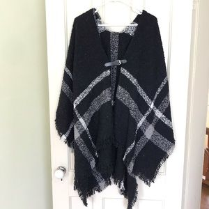 Sweaters - Black & White Plaid Poncho w/ Leather Front Buckle